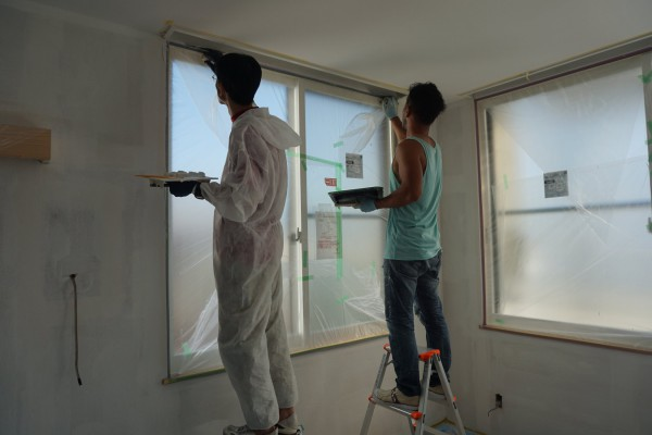 漆喰の塗り方を教えて貰います。