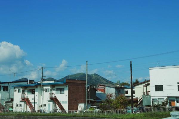 弟子屈の町から見える山。名前は不明…