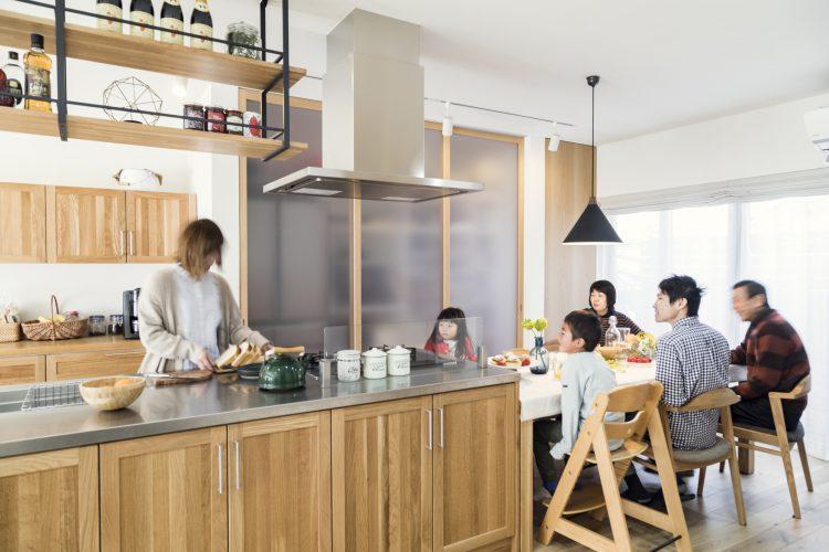 岐阜県瑞穂市の二世帯住宅リノベーション事例のダイニングキッチン