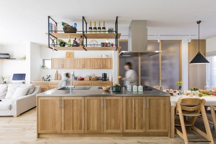 岐阜県瑞穂市の二世帯住宅リノベーション事例のアイランドキッチン