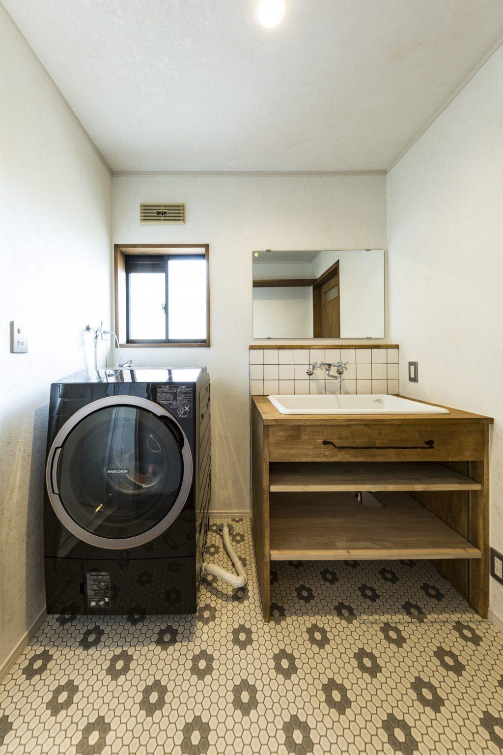 岐阜市二世帯住宅の脱衣室