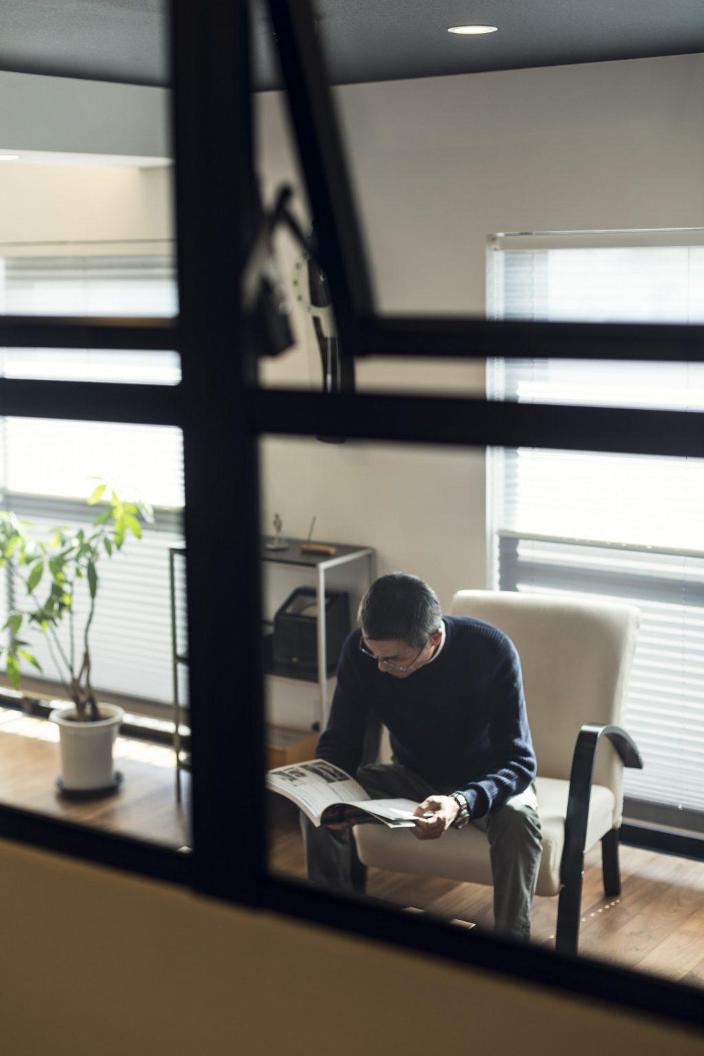 岐阜市の築20年のマンションリノベーション事例の室内オーニング窓