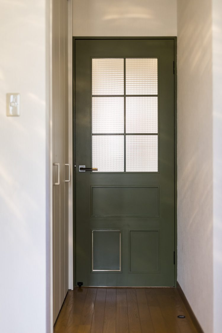 岐阜市リノベーション戸建て事例のオーダーメイドキャットドア