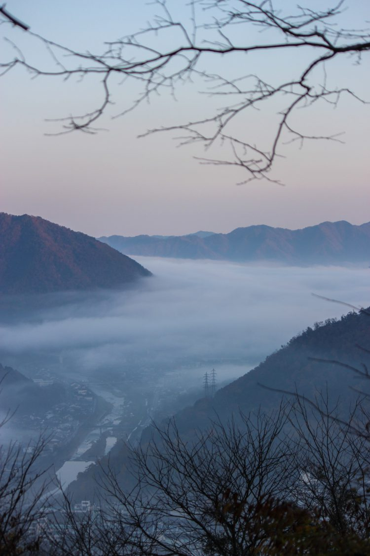 兵庫県朝来市の竹田城跡から見える雲海