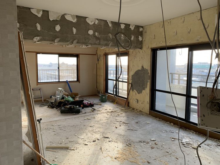 リノベーション前のマンション解体2
