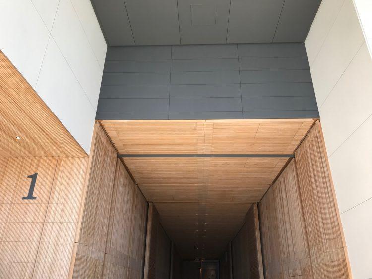 富山県美術館の展示入り口