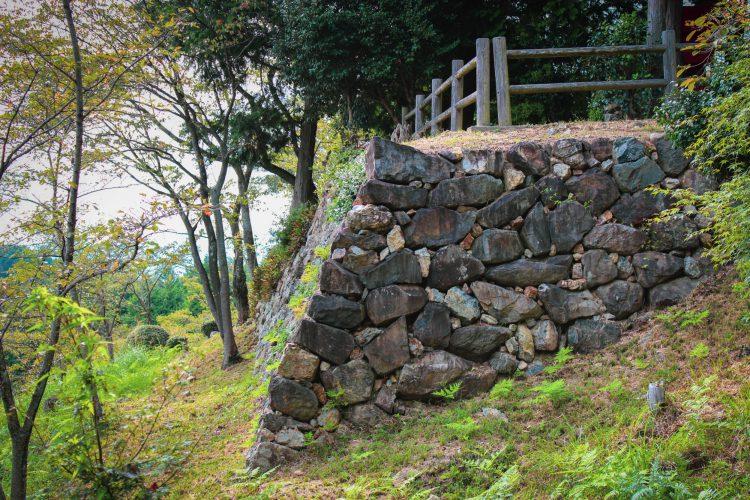 岐阜県可児市美濃金山城跡の石垣