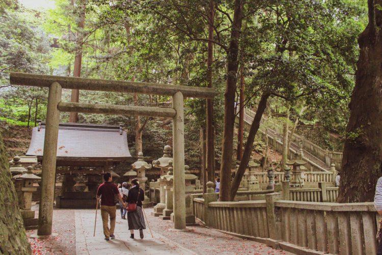 香川県の金刀比羅宮の道中