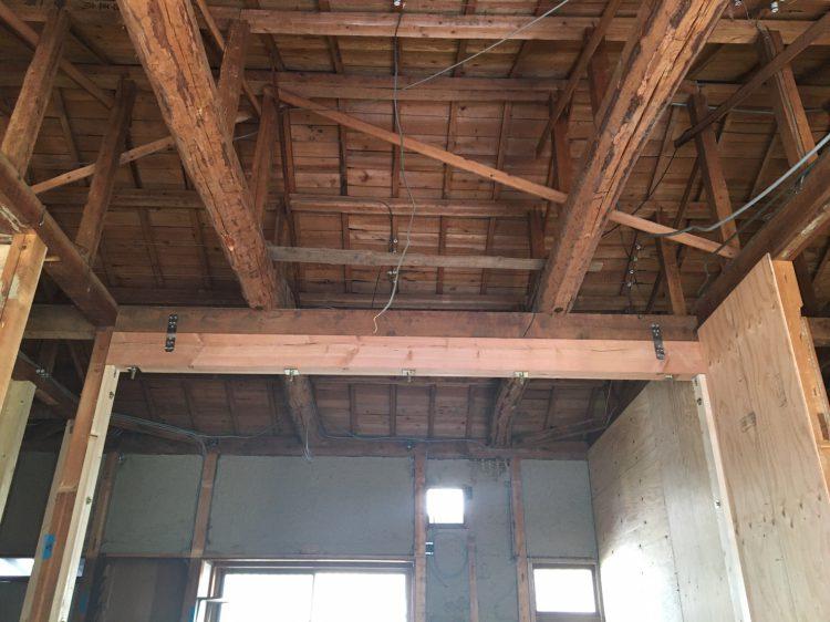 岐阜垂井町でリノベーションの耐震工事の天井