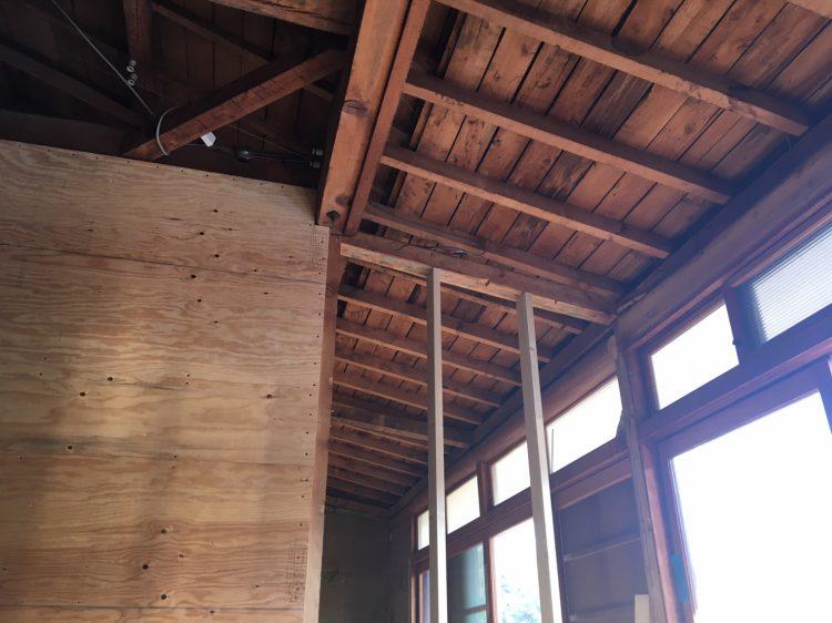 岐阜垂井町でリノベーションの耐震工事の木製サッシ