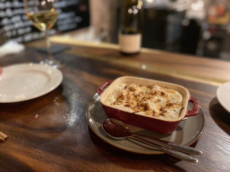 岐阜県各務原市鵜沼にある鵜沼葡萄酒食堂で食べられる白子のグラタン