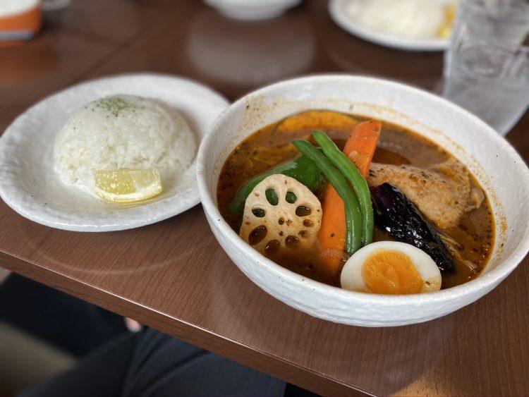 岐阜県岐阜市にあるスープカレーやさん「Soul spice」のチキンカレー