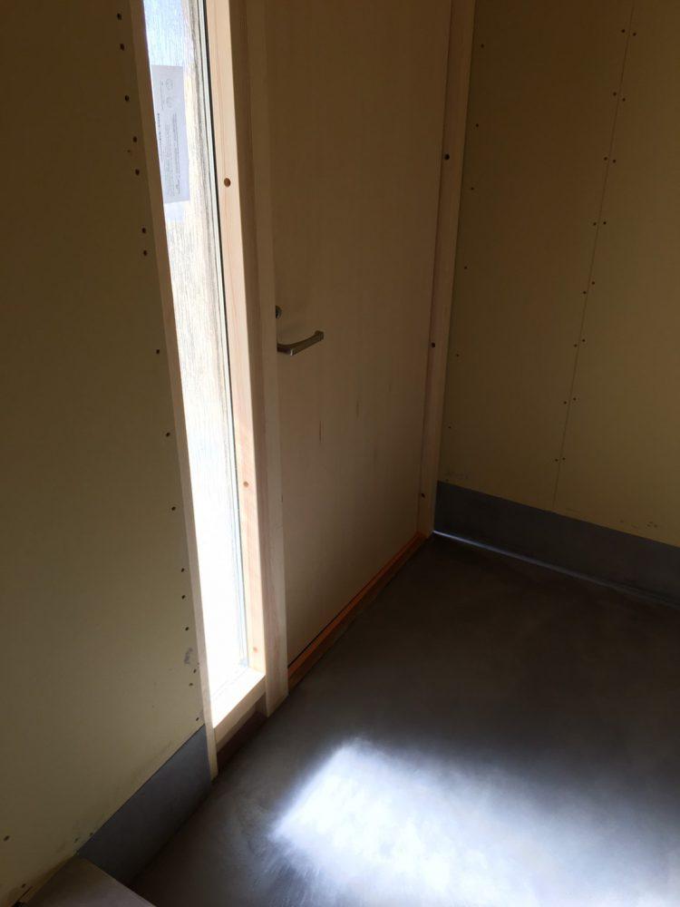 岐阜垂井町の中古戸建てリノベの玄関モールテックス
