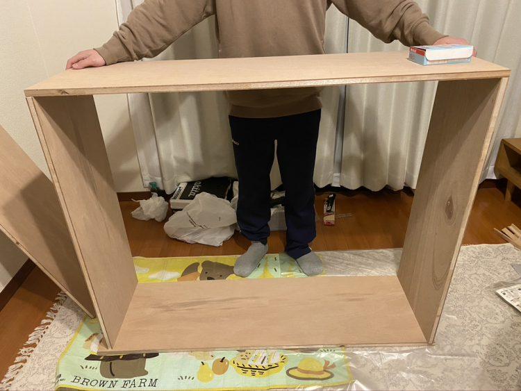 ホームセンターカーマ穂積店でカットした木材を組み立てる