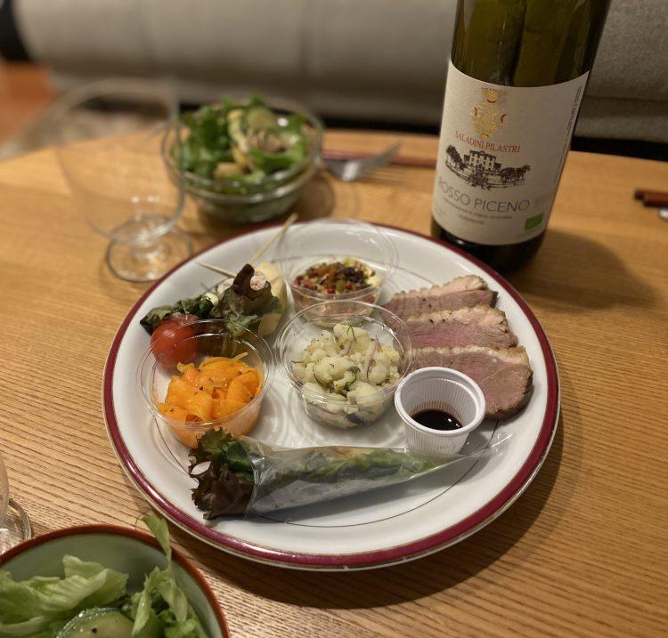 池田町にあるアジア料理屋のネシアンが出すアペリティフBOXの中身とワイン
